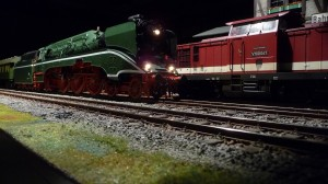 18 201 mit D-Zug